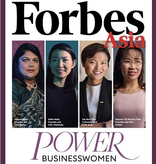 Bà Nguyễn Thị Phương Thảo (bên phải) trên trang bìa tạp chí Forbes châu Á.