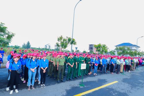 Sáng 28/9 tại Đà Nẵng, hơn 2.000 người đã tham dự lễ phát động ra quân Làm cho thế giới sạch hơn 2019. Chương trình do Bộ Tài nguyên và Môi trường phát động, trong khuôn khổ hoạt động do Australia khởi xướng năm 1993 và đã được hơn 130 quốc gia trên thế giới hưởng ứng.  Vietjet hưởng ứng chiến dịch làm sạch biển 60269817 w500 6429 1569903672