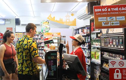 Circle K - chuỗi cửa hàng mở cửa suốt 24h để phục vụ khách hàng. Ảnh: Ngọc Thành