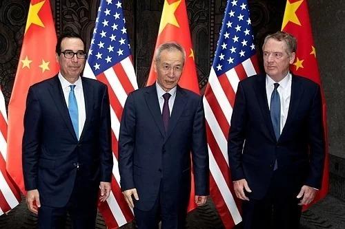 Bộ trưởng Tài chính Mỹ Steven Mnuchin, Phó thủ tướng Trung Quốc Lưu Hạc và Đại diện thương mại Mỹ Robert Lighthizer trong cuộc gặp tháng 7. Ảnh: Reuters