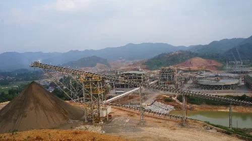 Một góc Nhà máy khai thác, chế biến khoáng sản Núi Pháo (huyện Đại Từ, Thái Nguyên). Ảnh: Nam Anh