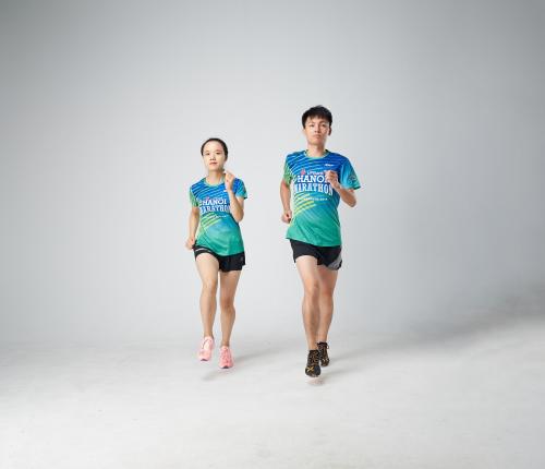 Xtep - thương hiệu thể thao nổi tiếng tại Hong Kong là nhà tài trợ trang phục chính thức cho giải chạy.  Giải chạy marathon tại phố cổ Hà Nội sắp diễn ra 128123834 w500 6563 1570593933