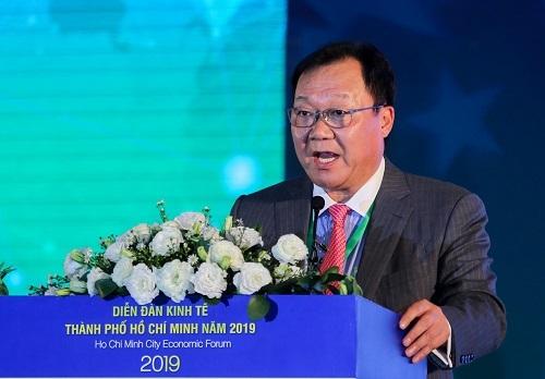 ông Yue Yi - nguyên Chủ tịch Hiệp hội Ngân hàng Hong Kong.