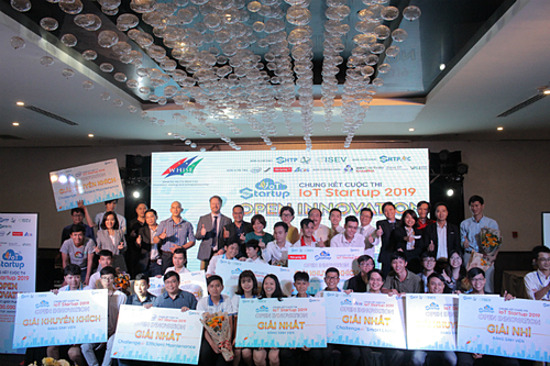 Các đội đạt giải của IoT Starup 2019 do SHTP-IC tổ chức. Ảnh: Nam Nguyễn