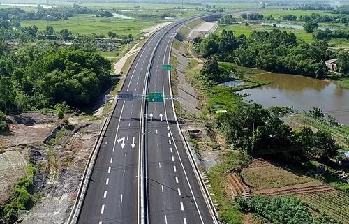 Cao tốc Đà Nẵng - Quảng Ngãi sẽ kết nối với các đoạn cao tốc Bắc Nam sắp xây dựng. Ảnh: Đắc Thành