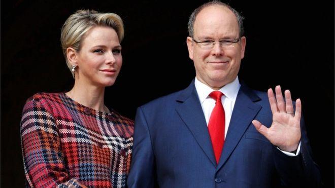 10. Thân vương Monaco - Albert II  Tài sản: 1 tỷ USD Tài sản của Thân vương Albert II được cho là gồm một phần tư phần đất ông cai trị, một bộ sưu tập xe cổ, cổ phần trong một resort ở Monte Carlo, một bộ sưu tập tem quý và môt căn nhà ở Philadelphia ông mua năm 2016 với giá 754.000 USD. (Ảnh: Reuters)