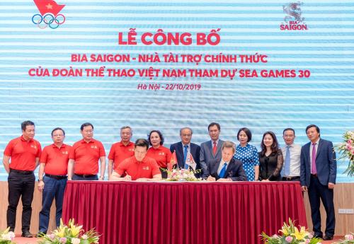 Lễ ký kết giữa Bia Saigon và Đoàn Thể thao Việt Nam.