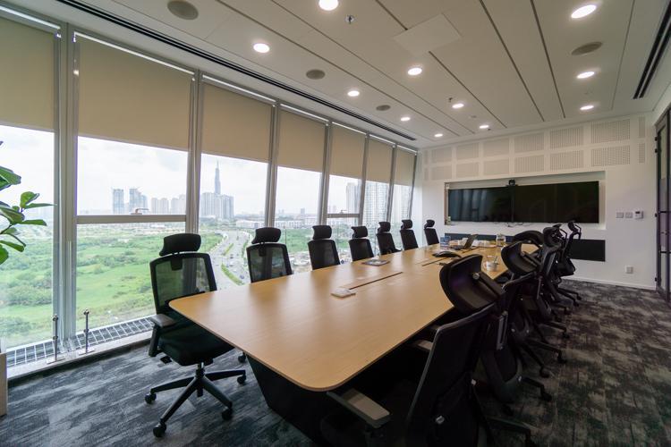 Các phòng họp đều sử dụng tấm Habito cứng chắc, thuận tiện treo các thiết bị phục vụ công việc.