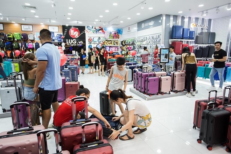 Hiện LUG đã có mặt trên 61 tỉnh thành, sắp tới chuỗi cửa hàng sẽ mở rộng, phục vụ cho người dùng Việt trên cả 64 tỉnh thành.