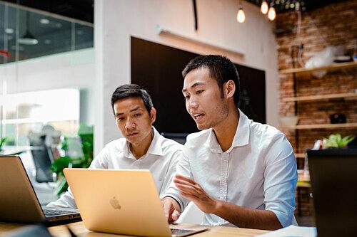 Công nghệ thông tin cũng thuộctop 5 ngành cónhu cầu tuyển dụng nhân sự trung, cao cấp lớn của quý vừa qua. Ảnh minh họa: Minh Phương
