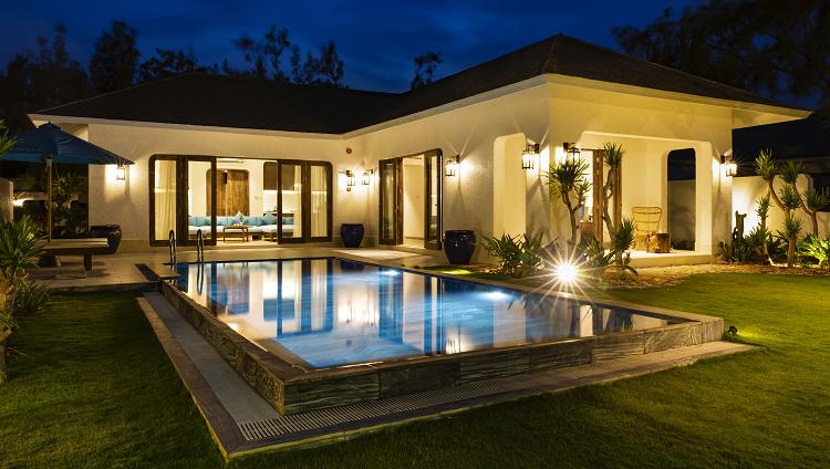 Thị trường bất động sản nghỉ dưỡng Phú Yên được đánh giá có nhiều tiềm năng phát triển các loại hình căn hộ, biệt thự biển hướng đến du khách quốc tế. Ảnh biệt thự nghỉ dưỡng thuộc Stelia Beach Resort.