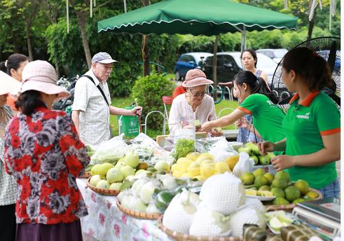Chương trình tài hiện phiên chợ quê tại Ciputra Hanoi.