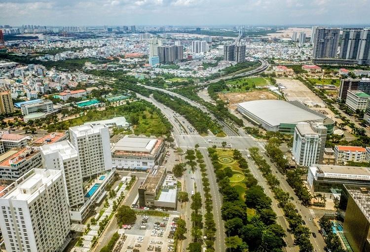 Trục đường Nguyễn Văn Linh đoạn giao cắt Nguyễn Lương Bằng. Ảnh: Quỳnh Trần.