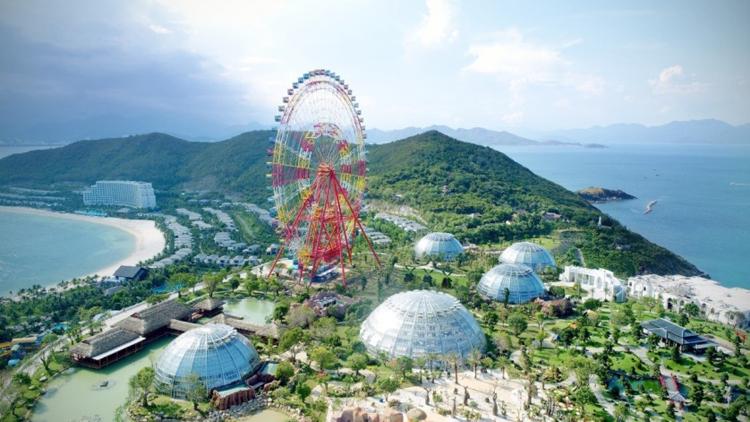 Tổ hợp Vinpearl Land Phú Quốc?  - A3-12-6076-1573879456 - Chủ tịch Vingroup có tầm ảnh hưởng ngành công viên giải trí toàn cầu