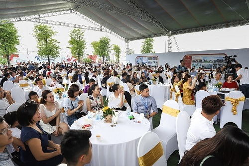 Sự kiện thu hút đông đảo khách tham dự.
