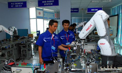 Mảng sản xuất công nghệ cao và sản xuất công nghiệp của doanh nghiệp Nhật tại Việt Nam đang liên tục tuyển thêm nhân sự trung và cao cấp. Ảnh minh họa: Viễn Thông