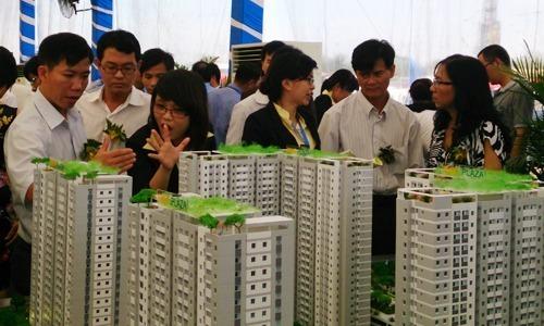 Thu nhập của môi giới bất động sản lao dốc - Kinh Doanh
