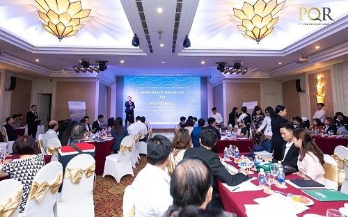 Đông đảo khách hàng đã có mặt để tìm hiểu về cơ hội đầu tư dự án.  - fasdfasdfasdf-7448-1574937731 - Cơ hội sở hữu căn hộ khách sạn Mövenpick Resort Waverly Phú Quốc