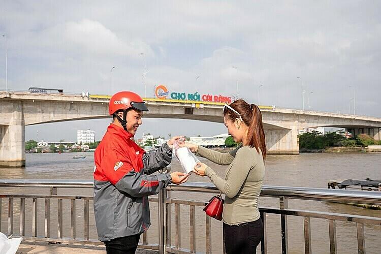 Loship đồng thời triển khai dịch vụ đặt đồ ăn, gọi xe và giao hàng tại thành phố Cần Thơ.