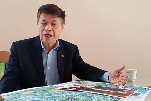 Ông Mai Huy Tân, Giám đốc Công ty TNHH Nhịp cầu Việt Đức - đơn vị đầu tư hơn 600 tỷ đồng mua các sản phẩm bất động sản tại dự án Cocobay Đà Nẵng. Ảnh: Nguyễn Hà