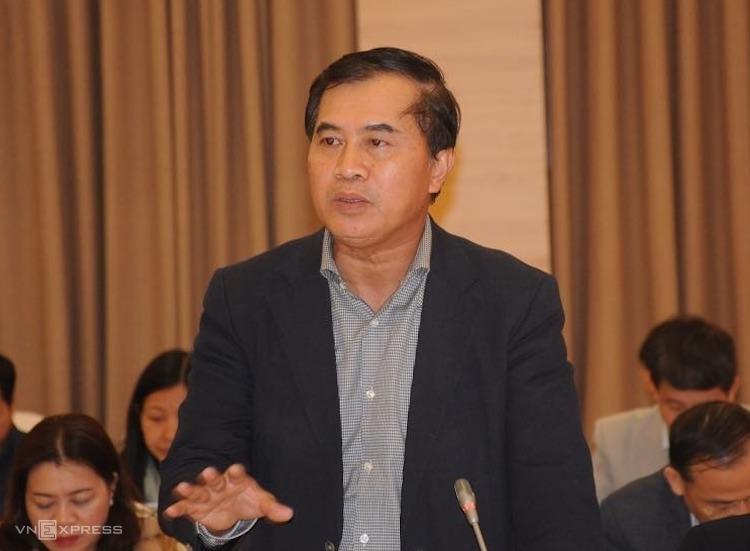 Ông Lê Công Hùng - Thứ trưởng Bộ Xây dựng trả lời tại họp báo chiều 2/12. Ảnh: Viết Tuân