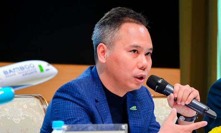 Ông Đặng Tất Thắng trả lời các câu hỏi tại buổi họp báo chiều 3/12.