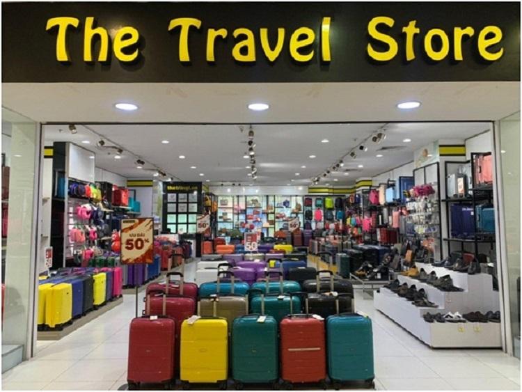 Cửa hàng The Travel Store thời LUG chưa sở hữu.