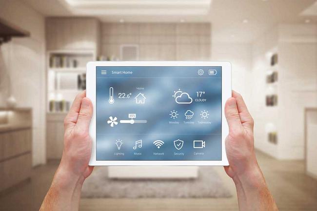 100% căn hộ dự án trang bị hệ thống Smart Homes - trợ lý ảo hỗ trợ, thay thế những công việc thường ngày cho gia chủ. Hệ thống thiết bị chiếu sáng cần thiết, điều hòa phòng khách, rèm cửa sẽ tự động mở, cùng hương tinh dầu thoang thoảng khi cư dân trở về nhà.
