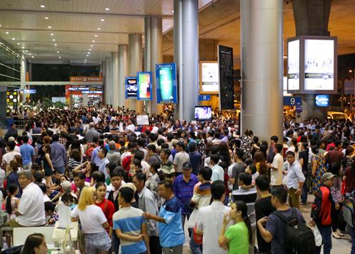 Sân bay Tân Sơn Nhất vào dịp cao điểm. Ảnh: Quỳnh Trần.  Cơ hội phát triển bất động sản nghỉ dưỡng tại Bà Rịa – Vũng Tàu sanbay 8708 1547019608 3693 15 2086 1430 1576228937