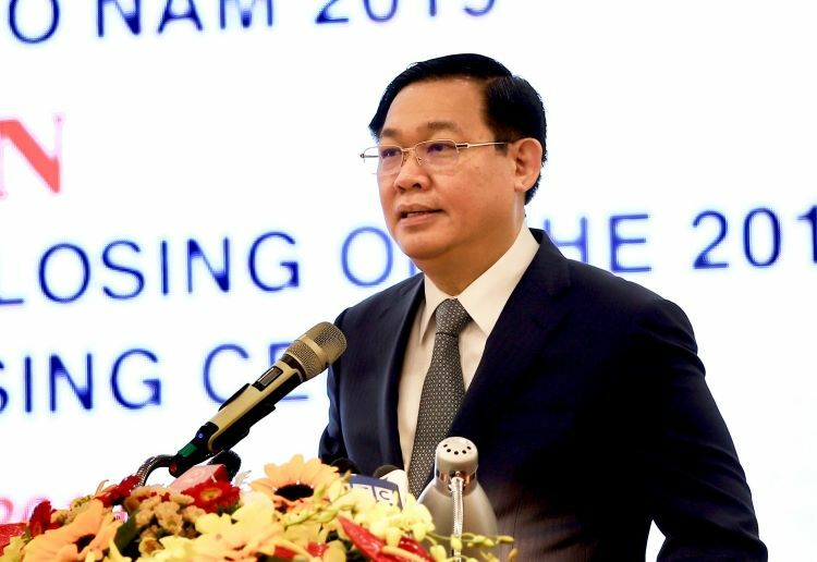 Phó thủ tướng Vương Đình Huệ tại hội nghị sáng nay (19/12). Ảnh: VGP
