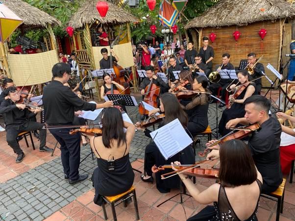Acecook Happiness Concert diễn ra tại Hội An ngày 14/12 vừa qua.  Acecook Happiness Concert đến Hà Nội và TP HCM image001 3452 1576840995