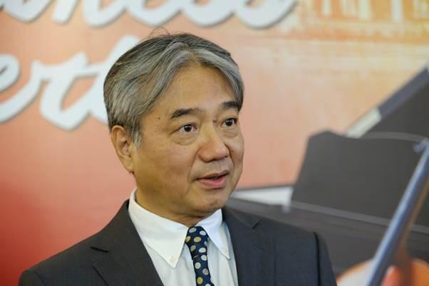 Nhạc trưởng Honna Tetsuji sẽ dẫn dắt 2 chương trình hoà nhạc chính tại Hà Nội và TP HCM.  Acecook Happiness Concert đến Hà Nội và TP HCM image007 7087 1576840996