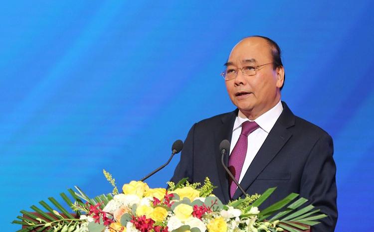 Thủ tướng chia sẻ tại buổi đối thoại với doanh nghiệp sáng 23/12. Ảnh: Ngọc Thành.
