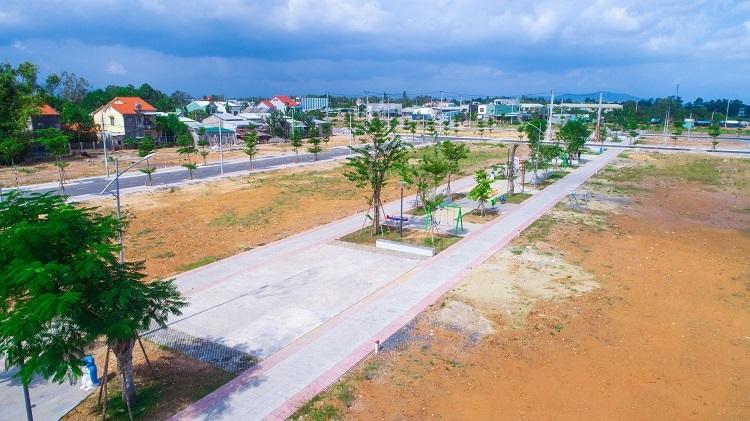Một con đường nội khu trong dự án.