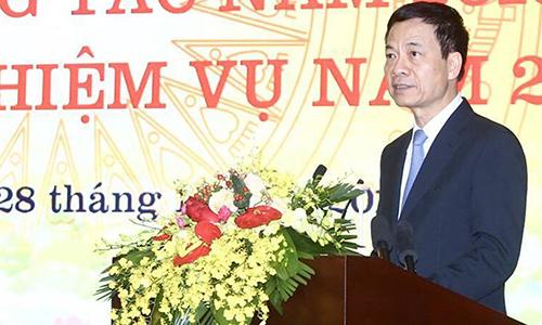 Bộ trưởng Nguyễn Mạnh Hùng tại sự kiện tổng kết ngày 28/12. Ảnh: MIC