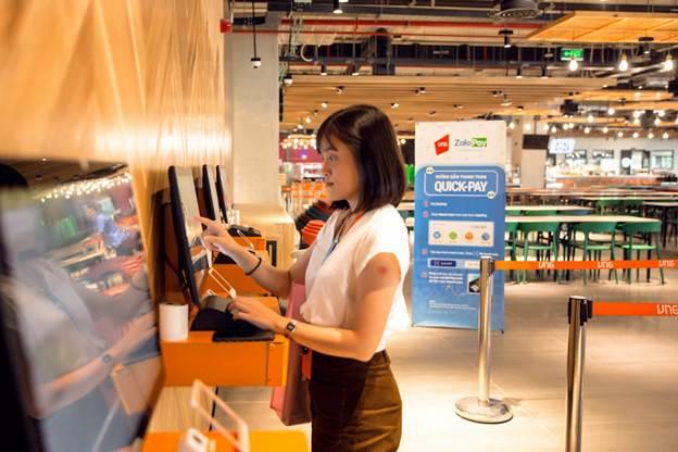 Người dùng Zalo có thể thanh toán hóa đơn, mua mã thẻ điện thoại, nạp dịch vụ 3G/4G ngay trong ứng dụng Zalo.