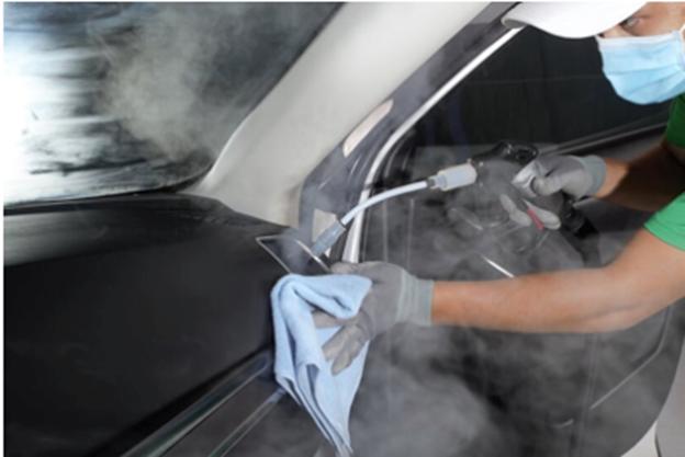 Công nghệ hơi nước bão hoà cũng vệ sinh được khe gió máy lạnh giúp không khí trong xe trong lành.