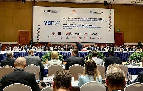 Các doanh nghiệp nước ngoài đối thoại với đại diện Chính phủ Việt Nam tại VBF 2019. Ảnh: Anh Minh