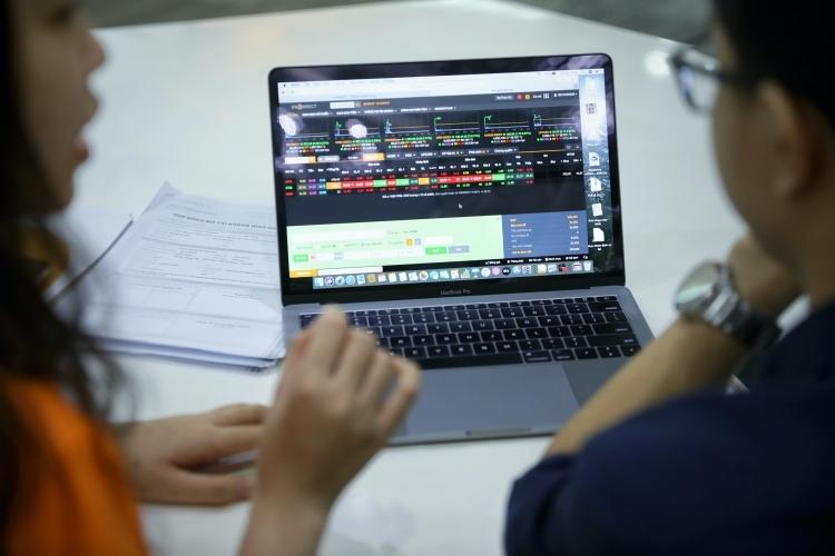 FiinGroup: Thanh khoản thị trường năm 2020 có thể cải thiện - ảnh 2