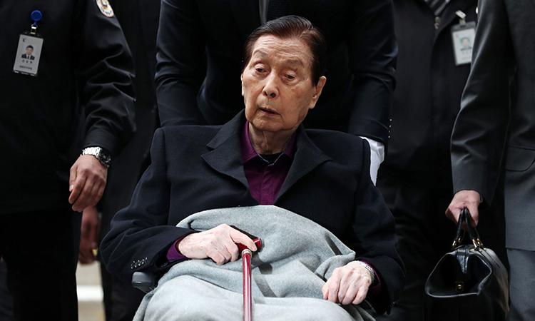 Ông Shin Kynk-ho xuất hiện tại Seoul hồi tháng 3/2017. Ảnh: Bloomberg