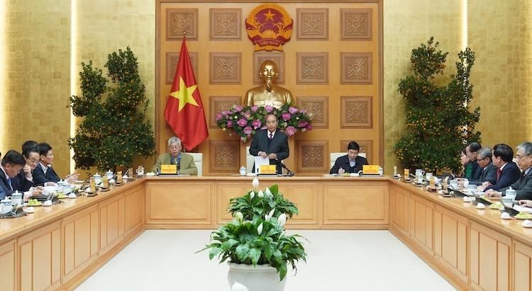 Thủ tướng Nguyễn Xuân Phúc chủ trì cuộc họp với Tổ tư vấn Kinh tế, chiều 20/1. Ảnh: VGP