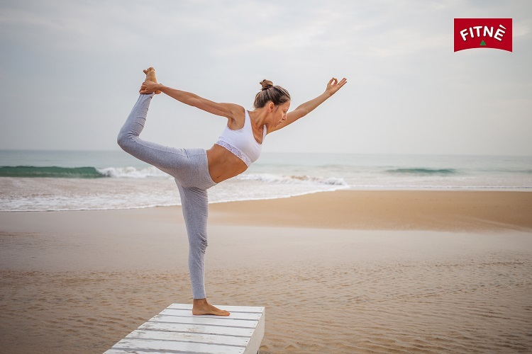 Tập thể dục sẽ giúp chị em nhanh lấy lại vóc dáng sau sinh. Ảnh: Fitne.