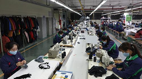 Một nhà máy dệt may tại Thái Nguyên. Ảnh: Ngọc Thành