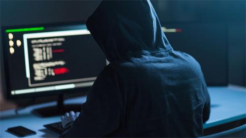 Ngân hàng đang trở thành mục tiêu tấn công của tội phạm công nghệ cao. Ảnh: CNN.