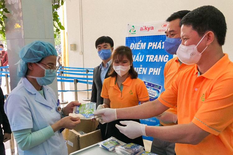 Doanh nghiệp chung tay chống dịch viêm phổi - ảnh 2