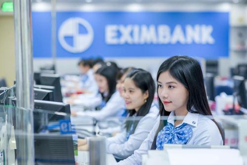 Eximbank khuyến khích khách hàng sử dụng dịch vụ ngân hàng điện tử.
