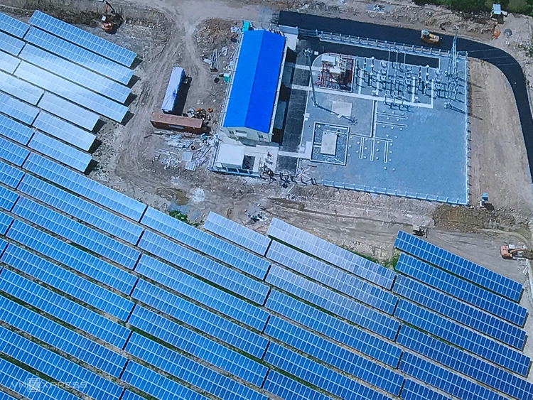 Một dự án điện mặt trời tại Long An. Ảnh: H.Thu
