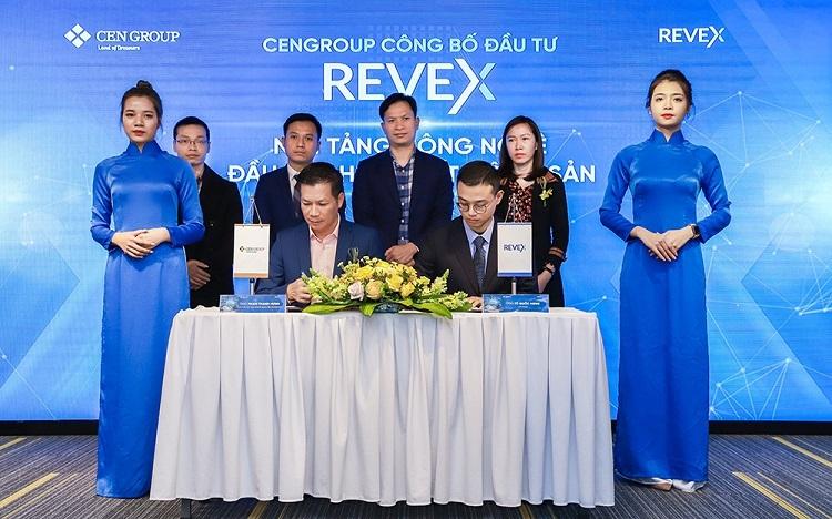 Ông Phạm Thanh Hưng (ngồi trái) - Phó Chủ tịch HĐQT CenGroup trong buổi ký kết hợp tác với đại diện Revex.
