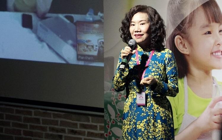 Bà Lê Vân Mây phát biểu tại sự kiện ra mắt sản phẩm Kodomil.
