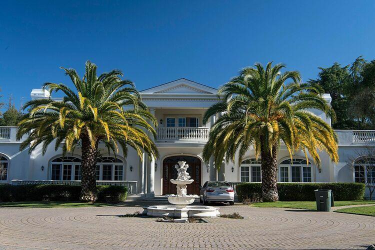 Một căn nhà tại Atherton (California, Mỹ). Ảnh: Bloomberg